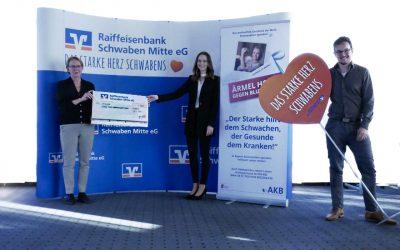 Azubis der Raiffeisenbank Schwaben Mitte eG erwirtschaften 12.000 Euro Spende